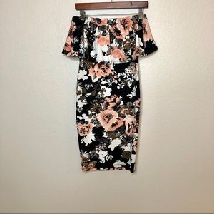 Forever 21 Dresses - Forever 21 Ladies Floral Backless Bodycon Dress